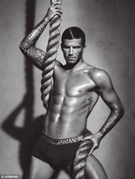 Beckhams - Giorgio Armani (4)