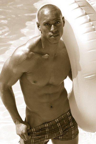Jerrin Holt (33)